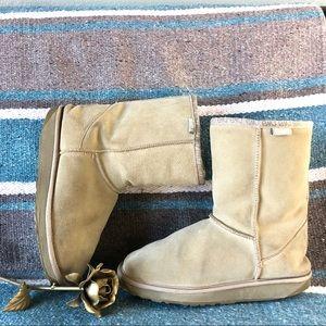 Emu Australia beige flat boots 7 7.5 winter snow